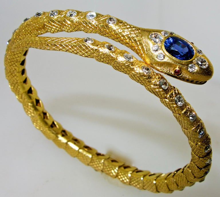 Women's or Men's Victorian Diamond and Sapphire Serpent 18 Karat Gold Bracelet, circa 1860 For Sale