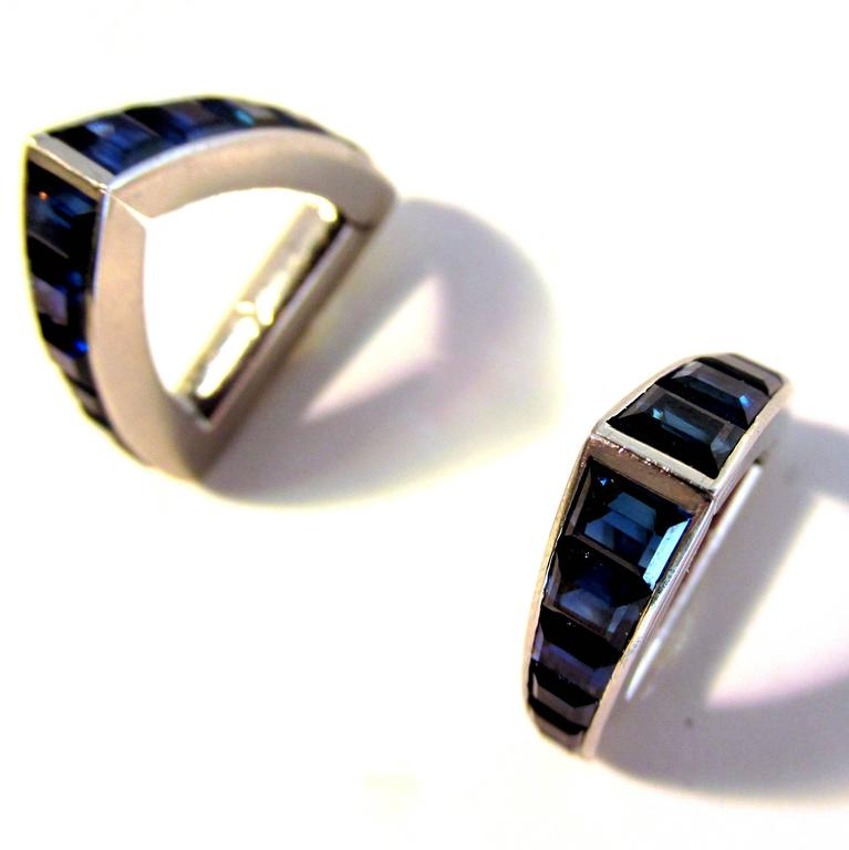 Cartier Fine Sapphire Cuff and Stud Set For Sale 2