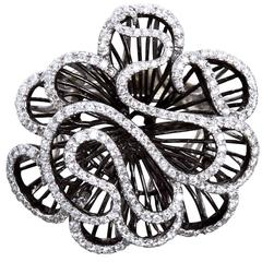 CHANEL Diamond White Black Gold Gathered Ribbon Ruffle Ring