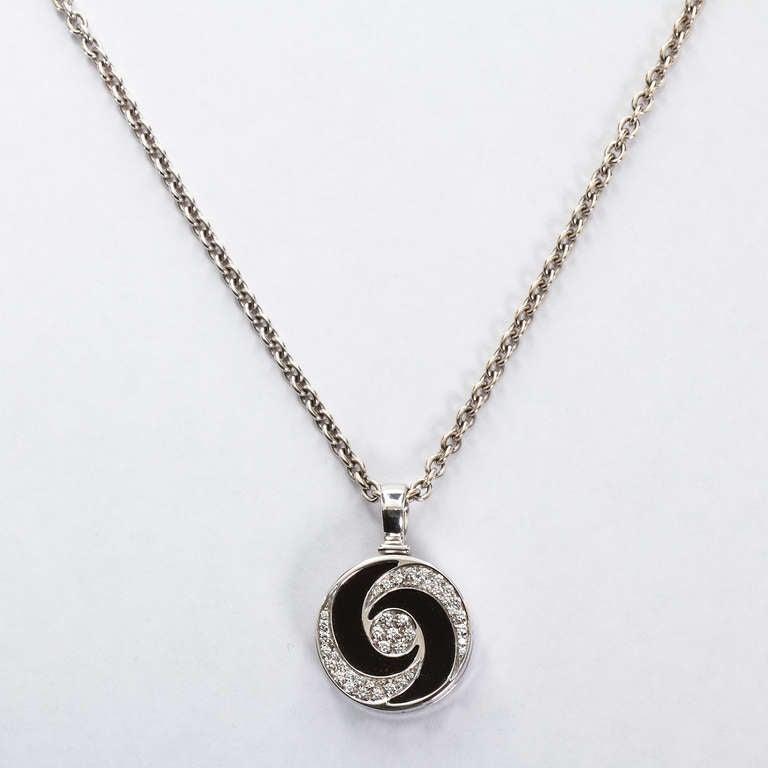 Spinning Diamond Necklace