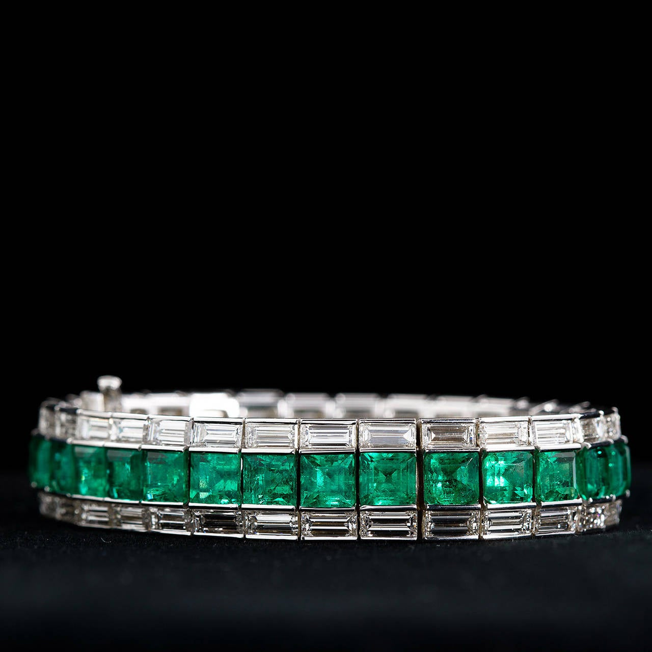Superb Classic Colombian Emerald Diamond Gold Line Tennis