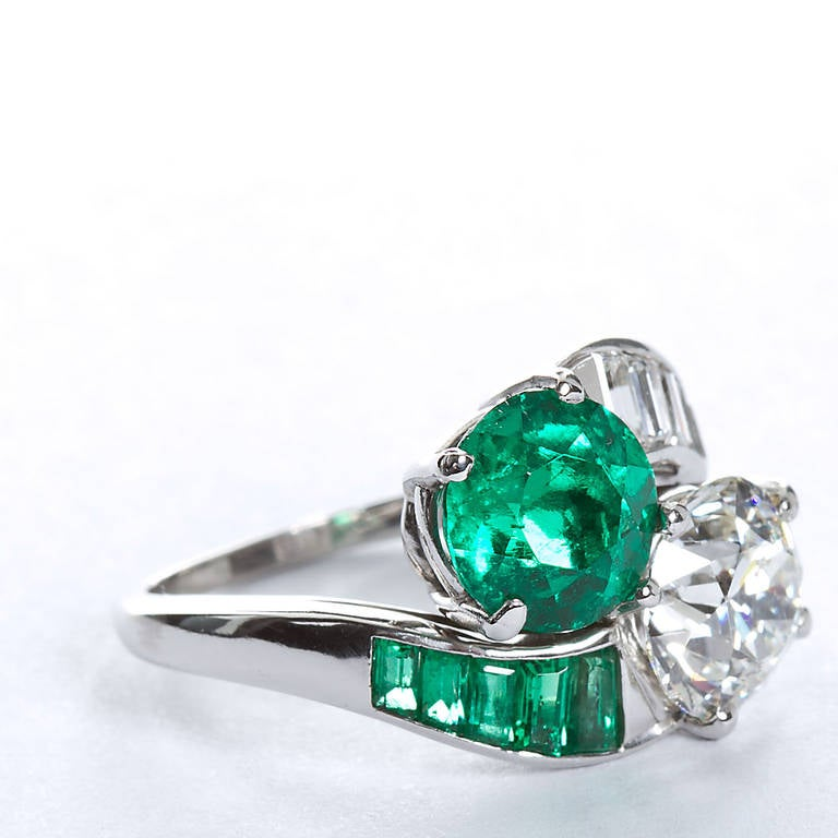 Colombian Emerald Diamond Bypass Ring GIA and AGL Certified In Excellent Condition For Sale In New York, NY