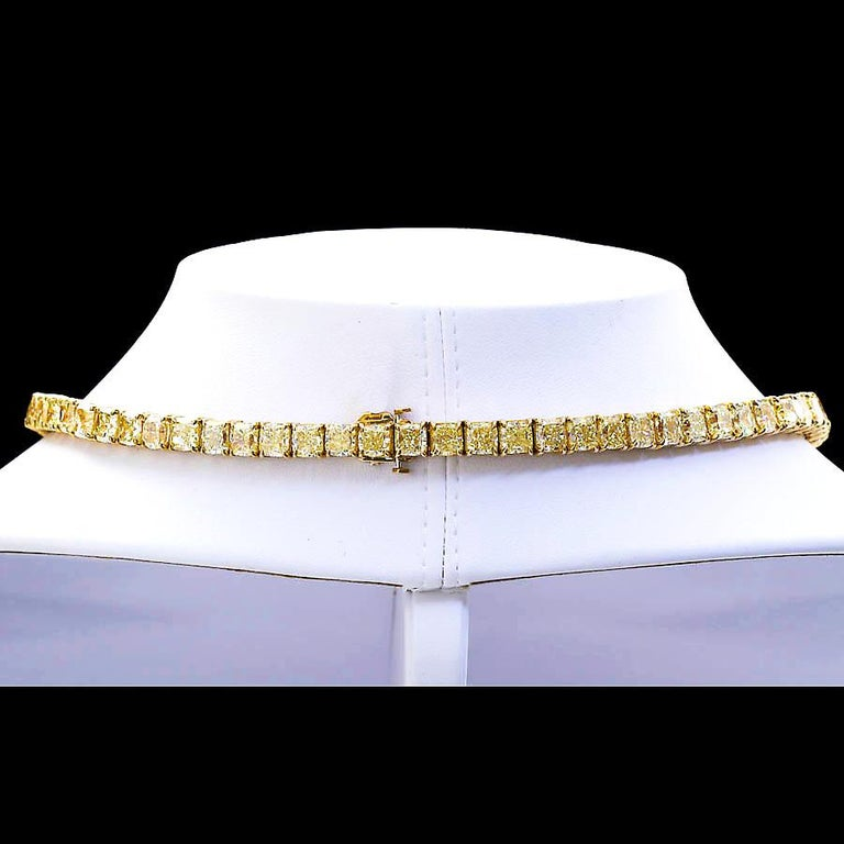 100 Carat Grand Fancy Yellow Diamond Necklace In New Condition For Sale In New York, NY