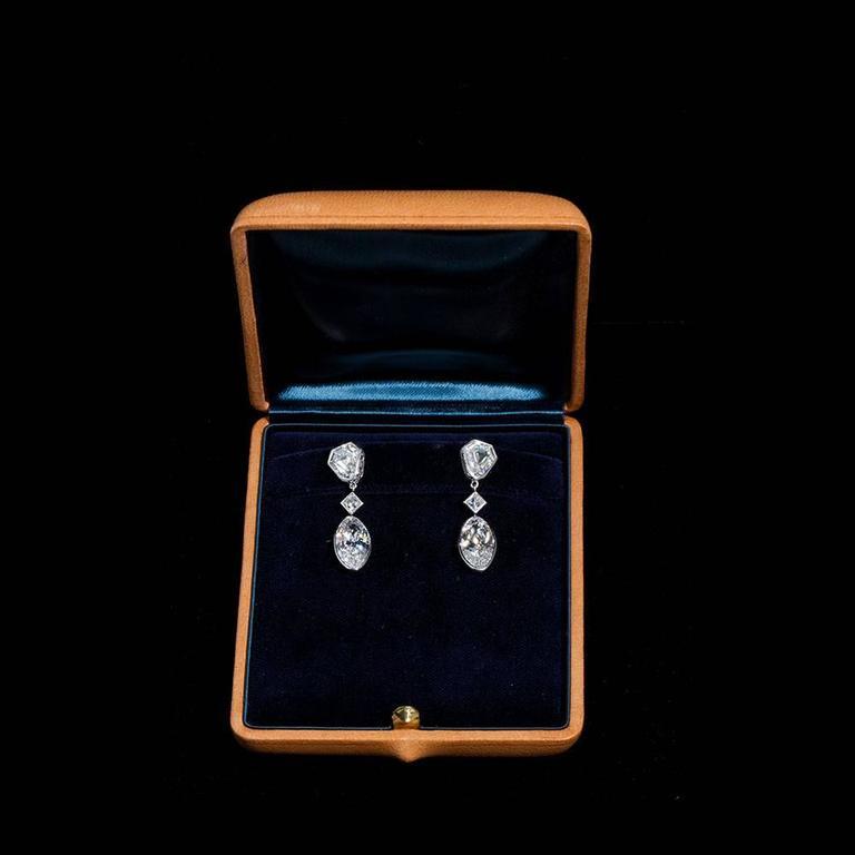 Art Deco Important Moval Shaped D Internally Flawless Diamond Dangle Chandelier Earrings For Sale