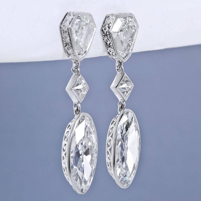 Important Moval Shaped D Internally Flawless Diamond Dangle Chandelier Earrings For Sale 1