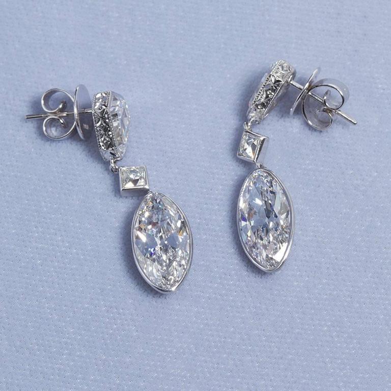Important Moval Shaped D Internally Flawless Diamond Dangle Chandelier Earrings For Sale 2