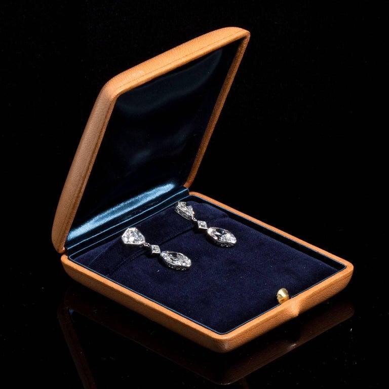 Important Moval Shaped D Internally Flawless Diamond Dangle Chandelier Earrings For Sale 3