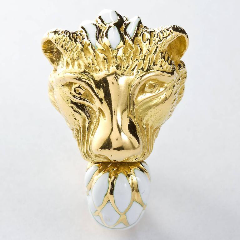 David Webb Enamel Gold Lion Ring For Sale 3
