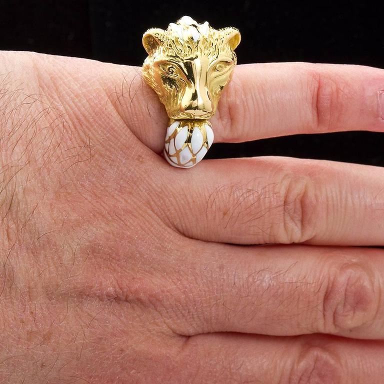 David Webb Enamel Gold Lion Ring For Sale 4