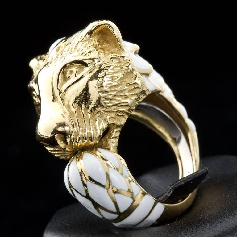 David Webb Enamel Gold Lion Ring For Sale 5