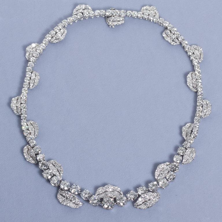 French Garland Diamond Platinum Necklace 52 Carats For Sale 3