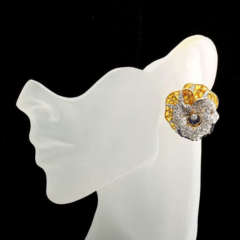 Oscar Heyman Diamond Blue Yellow Sapphire Pansy Earrings In Excellent Condition For Sale In New York, NY