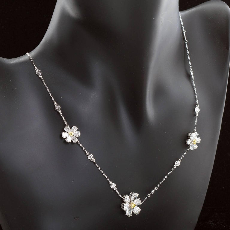 Contemporary Three Flower Pendant Diamond Yard Necklace For Sale