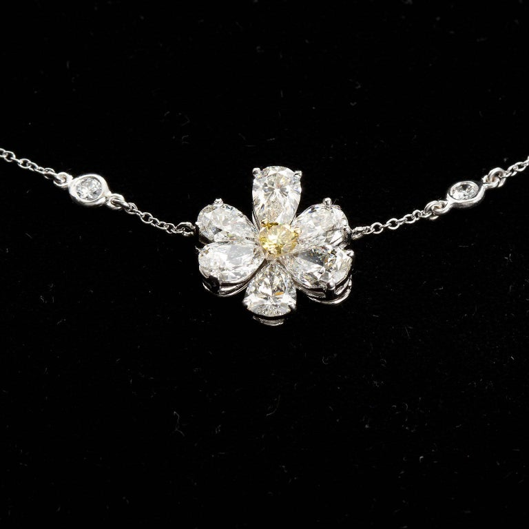 Three Flower Pendant Diamond Yard Necklace For Sale 1