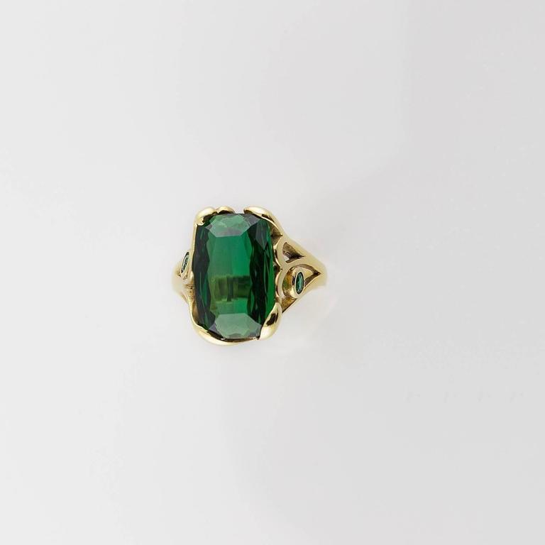 Modern Deep Green Emerald Cut Tourmaline Gold Ring  For Sale