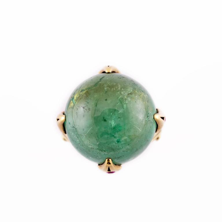 Women's or Men's 39.50 Carat Round Green Tourmaline Ring with Round Accent Rubies in Gold For Sale