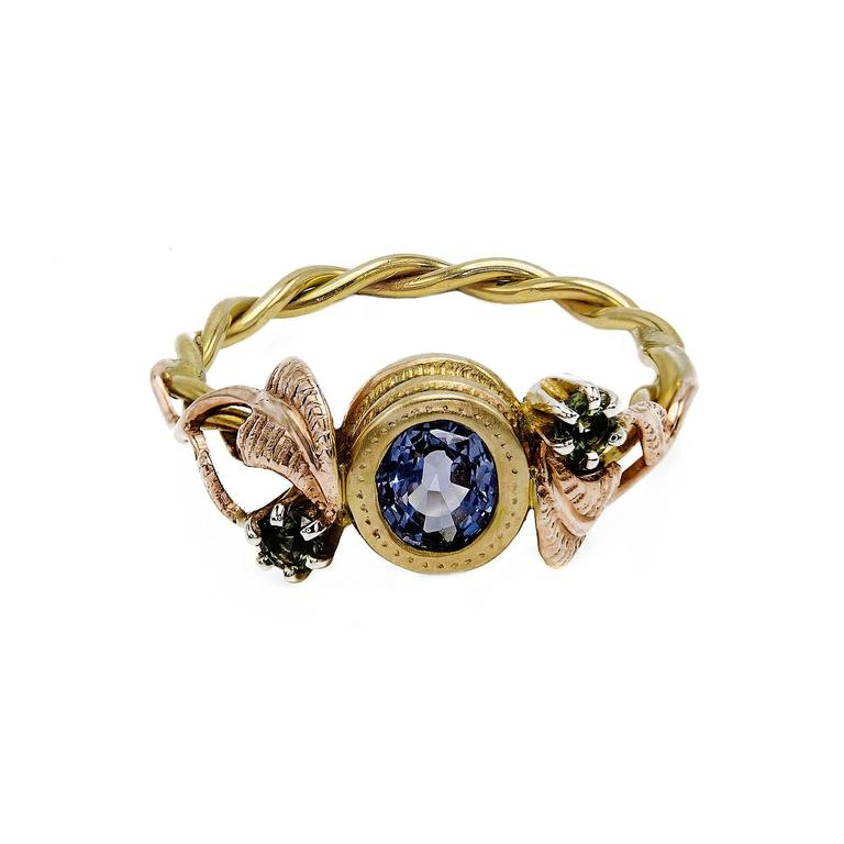 Artisan Sapphire Ring with Rose Gold Leaves and Detailed Bezel For Sale 2