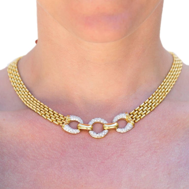 Yellow Gold Chain Link Necklace with Three Diamond Pave Circles In Excellent Condition For Sale In Berkeley, CA