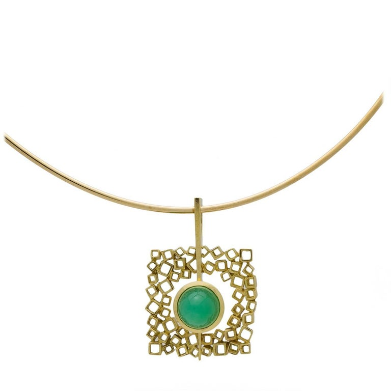 1970s Chrysoprase Gold Choker Necklace