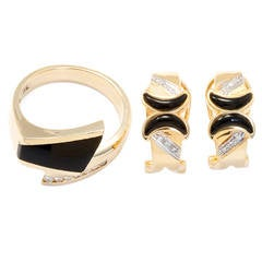 Beautiful Onyx Diamond Gold Ring and Earring Set