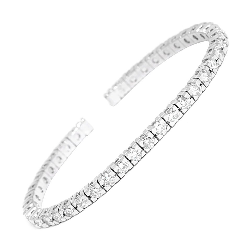 Beautiful Sparkling Diamond Gold Cuff Bracelet For Sale