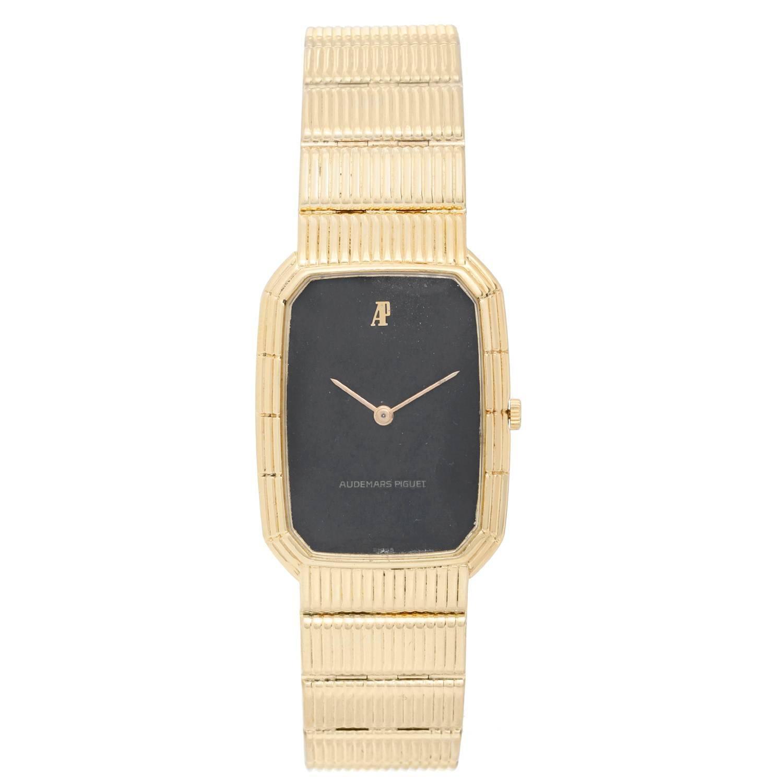 Audemars Piguet Yellow Gold Black dial Vintage Manual Wristwatch