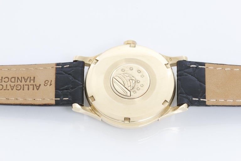 Omega Constellation Automatic 18 Karat Yellow Gold Watch In Excellent Condition For Sale In Dallas, TX