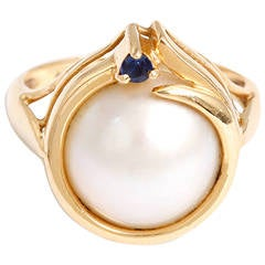 Beautiful Pearl and Synthetic Sapphire Gold Ring