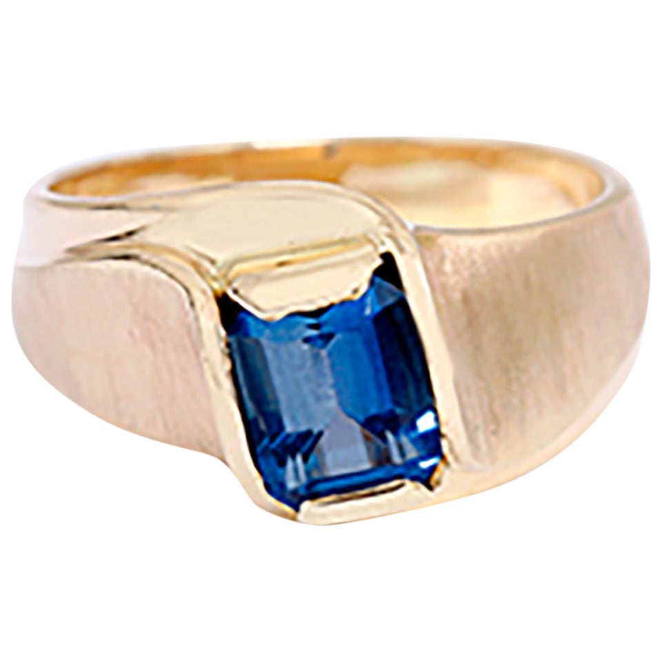 Stunning Blue Topaz Gold Plume Ring