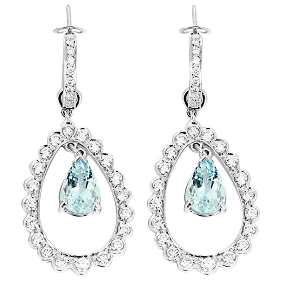 Beautiful Aquamarine Diamond Gold Dangle Earrings For Sale