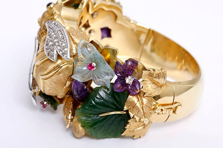 Carved Bee and Flower Yellow Gold, Hardstone and Simulated Gemstone Bangle Watch In Good Condition For Sale In Dallas, TX