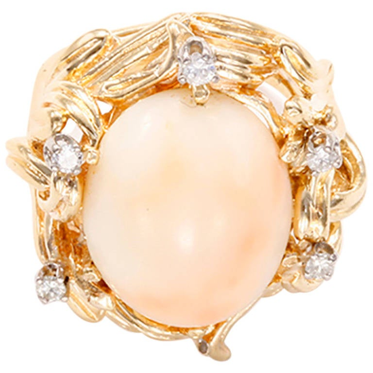 Beautiful Coral Diamond Yellow Gold Ring