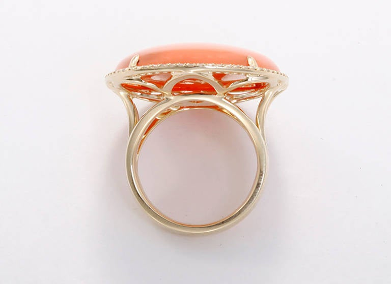 Beautiful Yellow Gold, Orange Agate, & Diamond Ring Sz.7 In As new Condition For Sale In Dallas, TX