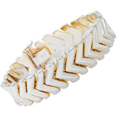 Beautiful Yellow Gold Chevron Link Bracelet