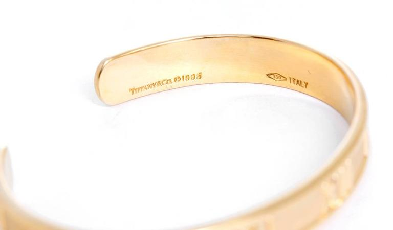 Tiffany & Co. Gold Atlas Cuff Bangle Bracelet In Excellent Condition For Sale In Dallas, TX