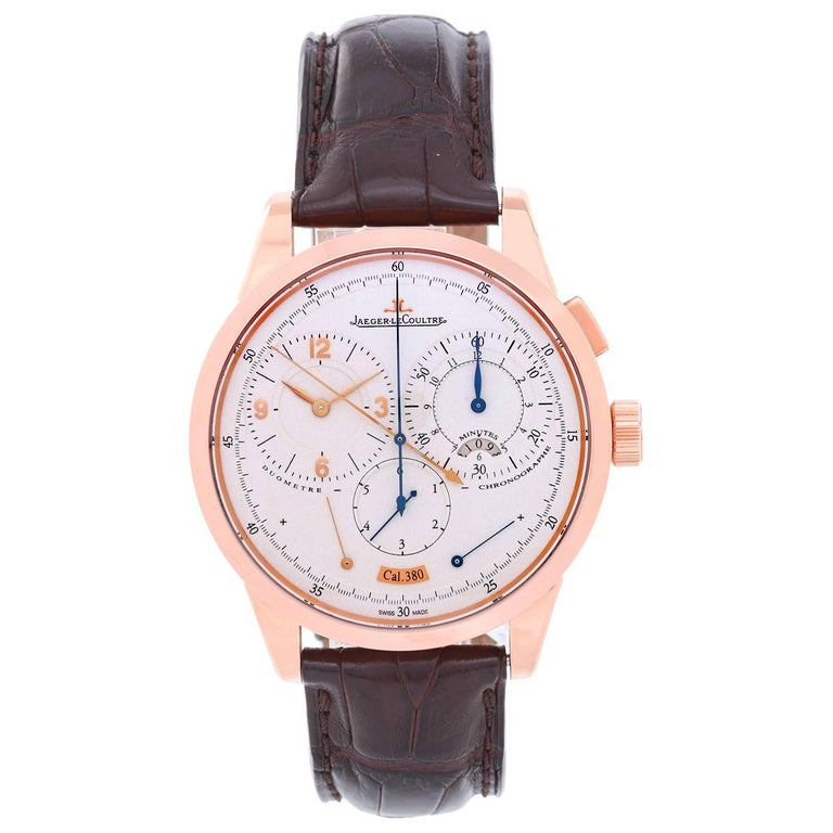 Jaeger - LeCoultre Duometre Chronograph Calibre Men's Watch 380A -  Manual winding. 18K Rose gold ( 42 mm ). Silvered dial with Rose Gold Arabic numerals. Black alligator strap with 18K Rose Gold Jaeger-LeCoultre deployant clasp. Pre-owned with