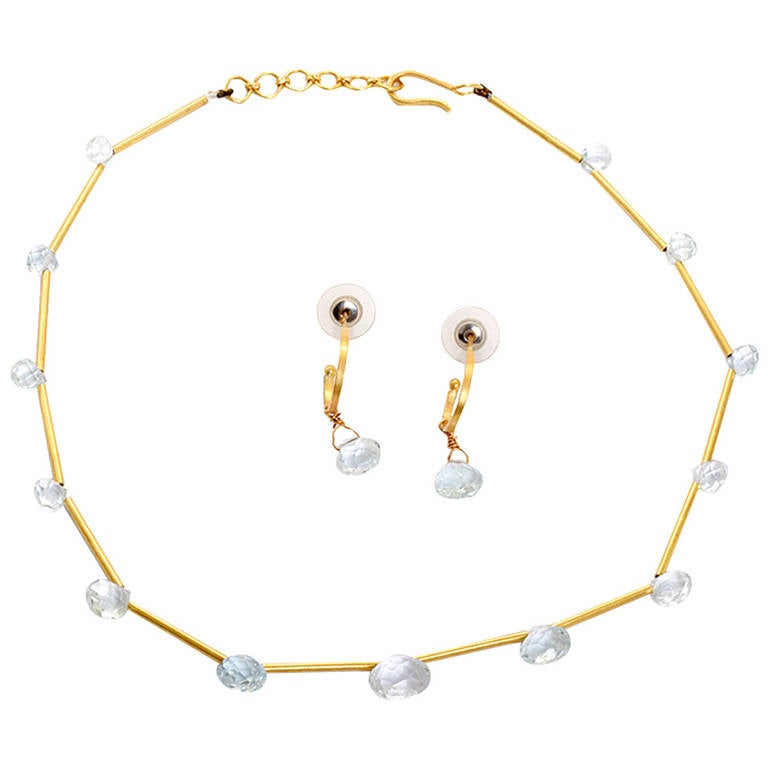Beautiful Aquamarine Yellow Gold Necklace and Earring Set For Sale