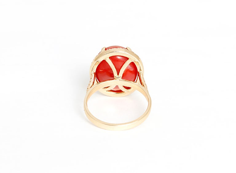 Beautiful Coral Diamond Gold Ring In Excellent Condition For Sale In Dallas, TX