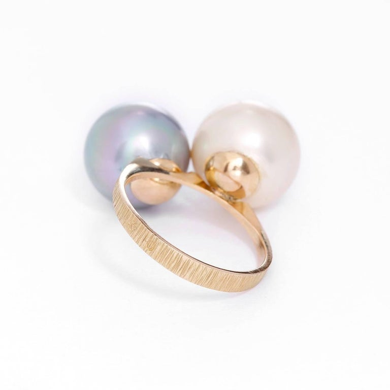 Women's Lovely Yellow Gold, White and Gray Pearl Ring For Sale