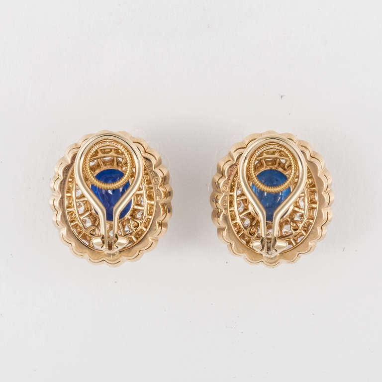 Oscar Heyman & Bros. Sapphire, Diamond, and Yellow Gold Earrings For Sale 1