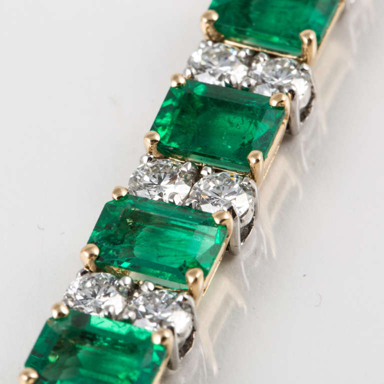 Women's Oscar Heyman & Bros. Emerald, Diamond, and Yellow Gold and Platinum Bracelet For Sale