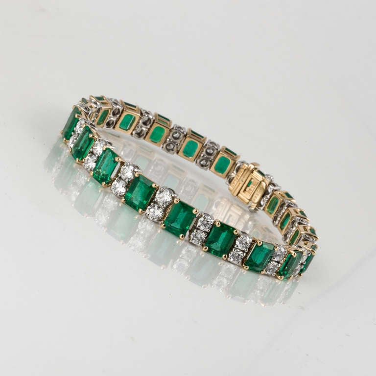 Oscar Heyman & Bros. Emerald, Diamond, and Yellow Gold and Platinum Bracelet For Sale 1