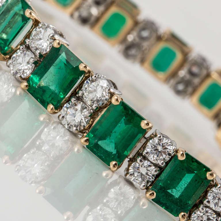 Oscar Heyman & Bros. Emerald, Diamond, and Yellow Gold and Platinum Bracelet For Sale 2