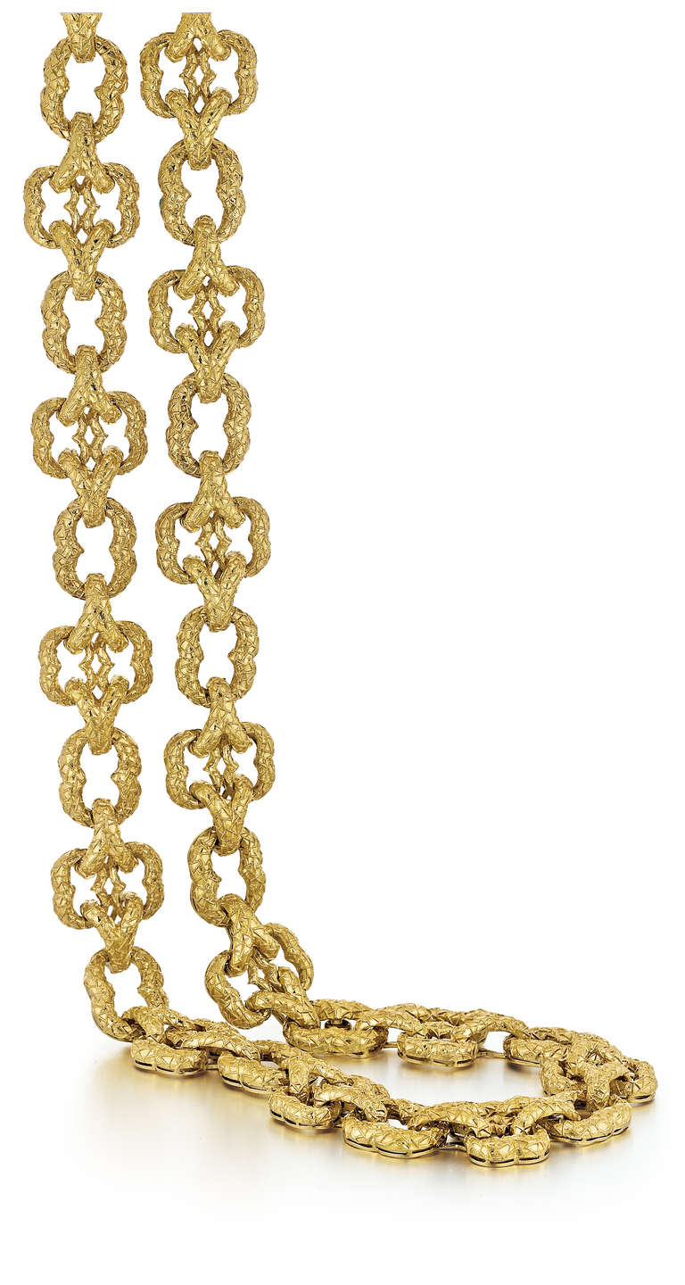 Wander heavy link necklace in 18K textured yellow gold that measures 29 inches in length.