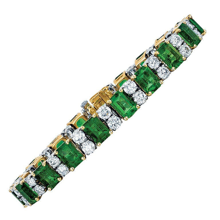 Oscar Heyman & Bros. Emerald, Diamond, and Yellow Gold and Platinum Bracelet For Sale