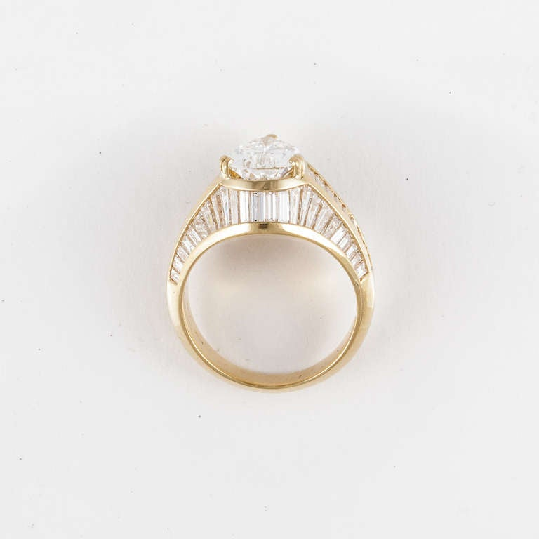 2 82ct Pear Shape Diamond and Yellow Gold Ring For Sale at 1stdibs