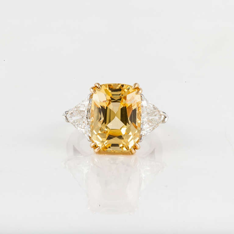 Cushion Cut Yellow Sapphire and Diamond Ring In Excellent Condition For Sale In Houston, TX