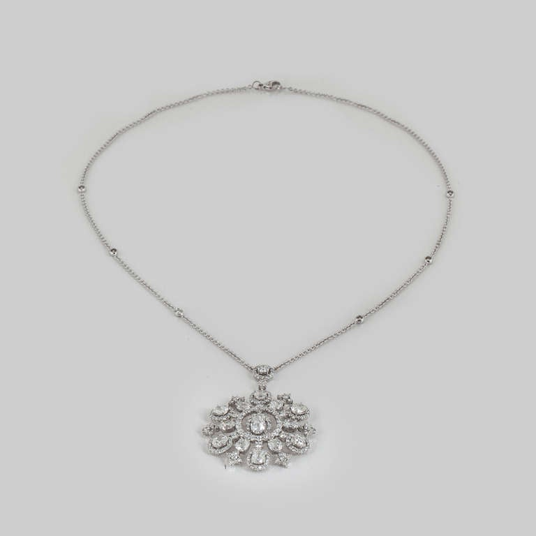Women's Snowflake Diamond and White Gold Necklace For Sale