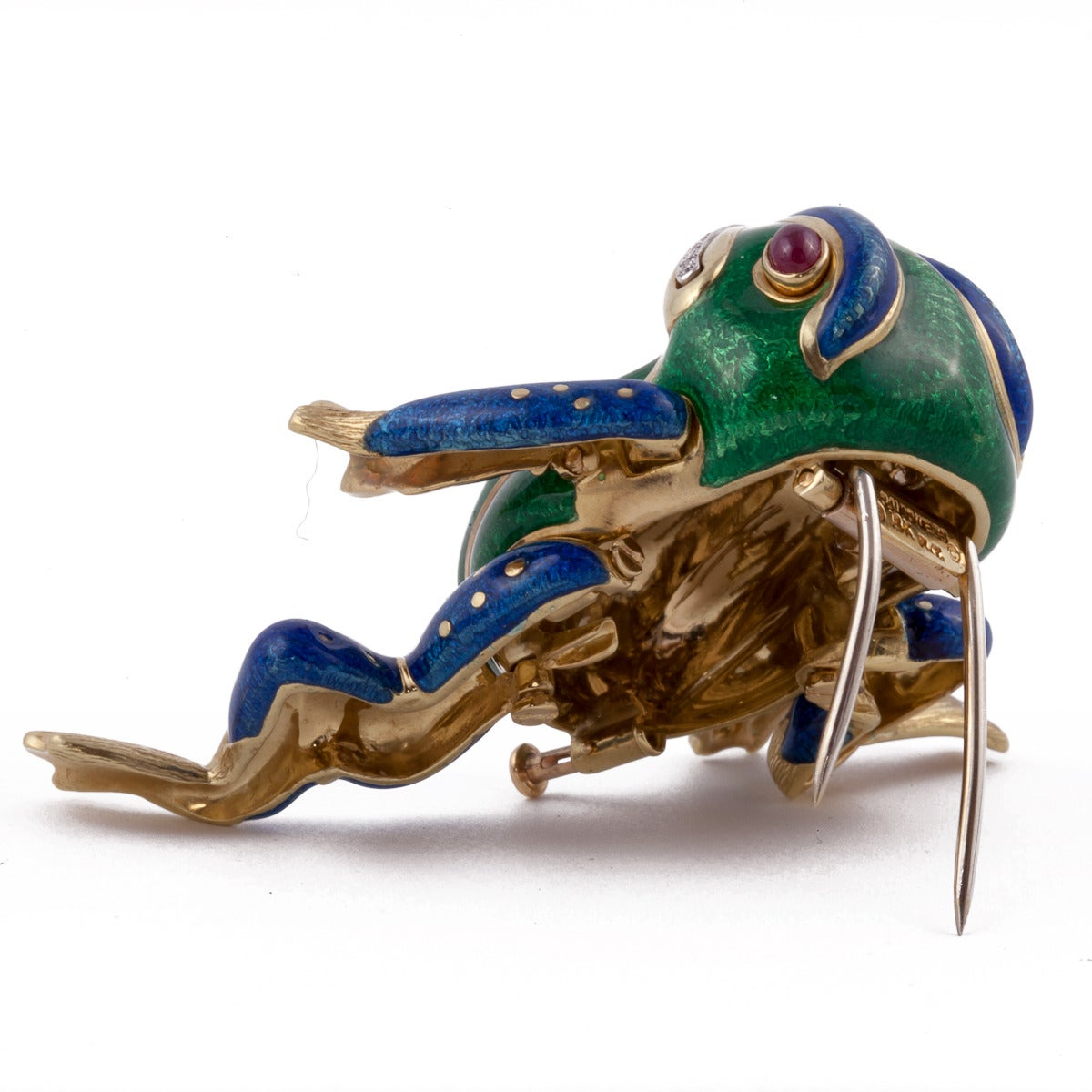 David Webb Enamel Ruby Diamond Gold Platinum Frog Brooch In Excellent Condition For Sale In Houston, TX