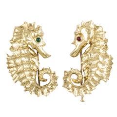 David Webb 18K Yellow Gold Pair of Seahorse Brooches